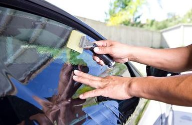 how to use a squeegee window cleaning for tint
